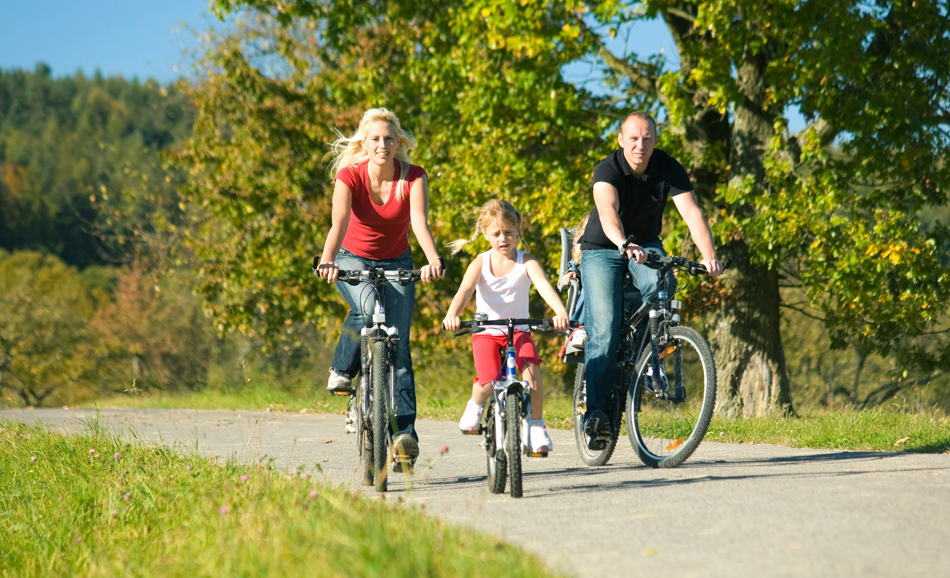 Family_cycling